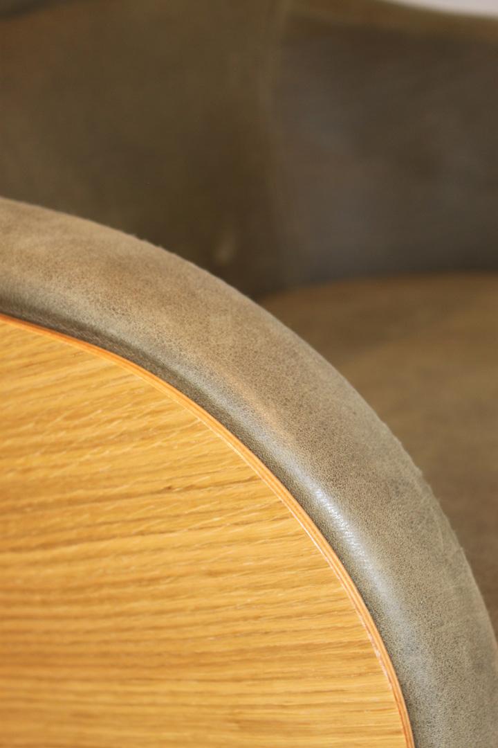 Conform Sessel Globe Bezug Sauvage Olive Holz Schale